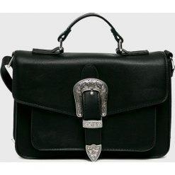 Pieces - Torebka. Czarne torebki klasyczne damskie marki Pieces, w paski, z materiału, duże. W wyprzedaży za 119,90 zł.