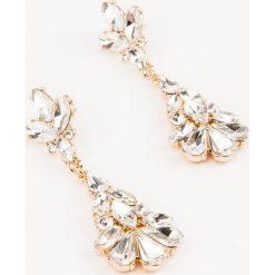 Kolczyki damskie: NA-KD Accessories Wiszące kolczyki z kryształami – Silver