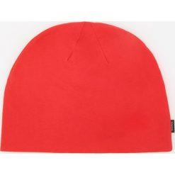 Dzianinowa czapka - Czerwony. Czerwone czapki zimowe męskie Reserved, z dzianiny. W wyprzedaży za 14,99 zł.