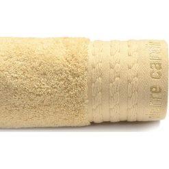 Kąpielówki męskie: Ręcznik w kolorze beżowym