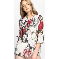Biało-Bordowa Bluzka Mysterious. Białe bluzki z odkrytymi ramionami marki Born2be, s, w kwiaty, z materiału. Za 74,99 zł.