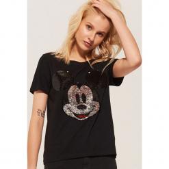 T-shirt z cekinami Mickey Mouse - Czarny. Czarne t-shirty damskie marki Reserved, l. Za 49,99 zł.