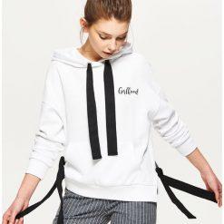 Bluzy damskie: Bluza z taśmami - Biały
