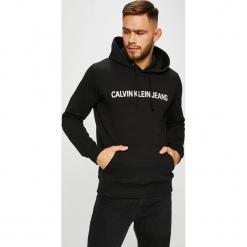 Calvin Klein Jeans - Bluza. Szare bejsbolówki męskie Calvin Klein Jeans, l, z nadrukiem, z dzianiny, z kapturem. Za 399,90 zł.