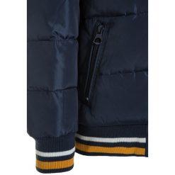 Levi's® BLOUSON DOONY Kurtka zimowa dress blue. Niebieskie kurtki chłopięce zimowe marki Levi's®, s, z materiału. W wyprzedaży za 276,75 zł.