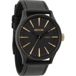 Zegarki męskie: Zegarek męski Matte Black Gold Nixon Sentry Leather A1052041