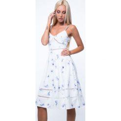 Sukienka rozkloszowana kremowa ZZ253. Białe sukienki Fasardi, l, rozkloszowane. Za 89,00 zł.