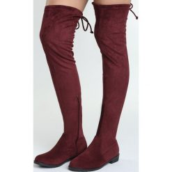 Czerwone Kozaki Repeat. Czerwone buty zimowe damskie Born2be, za kolano, na wysokim obcasie, na płaskiej podeszwie. Za 99,99 zł.
