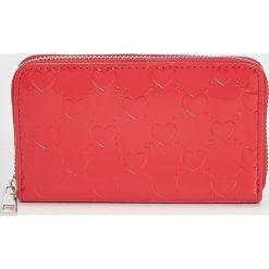 Portfel - Czerwony. Czerwone portfele damskie marki Sinsay. Za 24,99 zł.