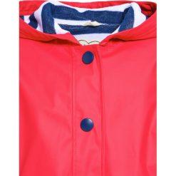 Hatley Kurtka przeciwdeszczowa red. Czerwone kurtki chłopięce przeciwdeszczowe marki Reserved, z kapturem. W wyprzedaży za 161,40 zł.