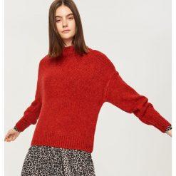 Miękki sweter z półgolfem - Czerwony. Czerwone swetry klasyczne damskie Reserved, l. Za 119,99 zł.