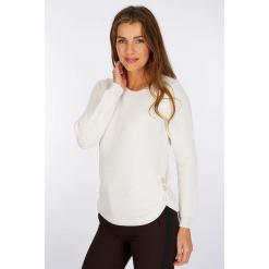 """Sweter """"Audeuse"""" w kolorze białym. Białe swetry klasyczne damskie Scottage, z wełny, z okrągłym kołnierzem. W wyprzedaży za 86,95 zł."""