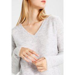 Swetry damskie: Vila VICANT Sweter light grey melange