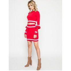 Missguided - Spódnica. Czerwone minispódniczki marki Missguided, z bawełny, z podwyższonym stanem, dopasowane. W wyprzedaży za 34,90 zł.