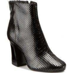Botki BRONX - 33900-C-01 BX 1221 Black 01. Czarne buty zimowe damskie marki Bronx, z materiału. W wyprzedaży za 339,00 zł.