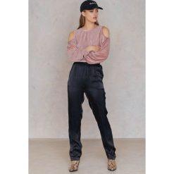 Bluzy rozpinane damskie: SheIn Bluza z wycięciami na ramionach - Pink
