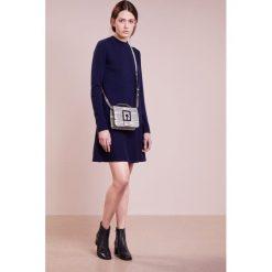 Sukienki dzianinowe: FTC Cashmere Sukienka dzianinowa nautica