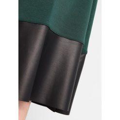 Sukienki dzianinowe: KIOMI Sukienka dzianinowa dark green