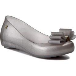 Baleriny MELISSA - Ultragirl Sweet + Jaso 31975  Silver Medium 06084. Szare meliski damskie marki Melissa, z gumy. W wyprzedaży za 219,00 zł.