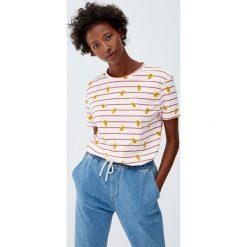 Koszulka z krótkim rękawem w papaje. Szare t-shirty damskie marki Pull&Bear. Za 29,90 zł.
