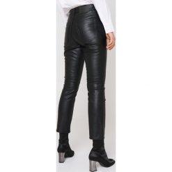 Boyfriendy damskie: Cheap Monday Czarne jeansy Revive Storm Black - Black