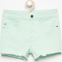 Szorty damskie: Szorty z postrzępionymi nogawkami – Zielony