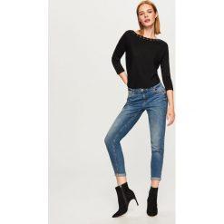 Sweter z ozdobnym wiązaniem - Czarny - 2