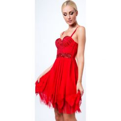 Sukienka z ozdobnymi kamykami czerwona 6556. Białe sukienki marki Fasardi, l. Za 99,00 zł.