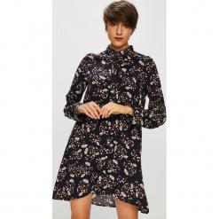 Medicine - Koszula Basic. Czarne koszule wiązane damskie MEDICINE, m, z tkaniny, casualowe, z długim rękawem. W wyprzedaży za 79,90 zł.