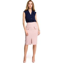 Spódniczki: Pudrowa Ołówkowa Spódnica za Kolano z Kieszeniami z Patką