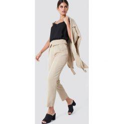 Spodnie z wysokim stanem: Trendyol Spodnie z wysokim stanem – Beige