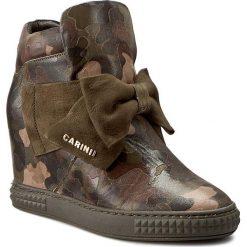 Sneakersy CARINII - B3835 F33-I43-PSK-B88. Brązowe sneakersy damskie Carinii, z materiału. W wyprzedaży za 329,00 zł.