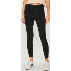 Calvin Klein Jeans - Legginsy. Czarne jegginsy damskie marki bonprix, z podwyższonym stanem. Za 359,90 zł.