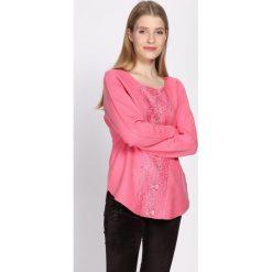 Różowy Sweter Vagary. Czerwone swetry klasyczne damskie Born2be, l, z dekoltem w łódkę. Za 74,99 zł.