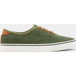 Buty męskie: Zielone tenisówki basic w miejskim stylu
