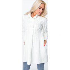 Swetry rozpinane damskie: Sweter zapinany na guziki kremowy MISC005
