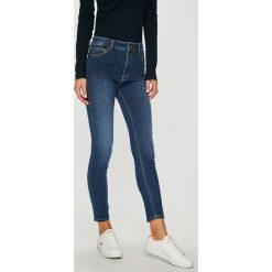 Mustang - Jeansy Perfect Shape. Niebieskie jeansy damskie slim marki Mustang, z aplikacjami, z bawełny. Za 299,90 zł.