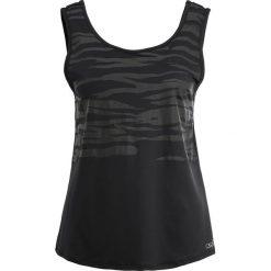 Casall YOGA GRAPHIC Top black. Czarne topy sportowe damskie Casall, z elastanu. W wyprzedaży za 129,35 zł.