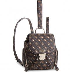 Plecak GUESS - HWSG71 79310 BRO. Brązowe plecaki damskie Guess, z aplikacjami, ze skóry ekologicznej, eleganckie. Za 589,00 zł.
