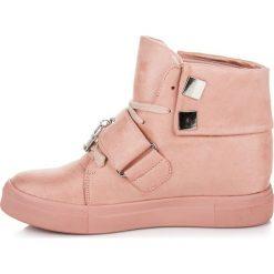 Zamszowe trampki na koturnie ALEXA. Czerwone buty ślubne damskie SEASTAR, z zamszu, na koturnie. Za 119,00 zł.
