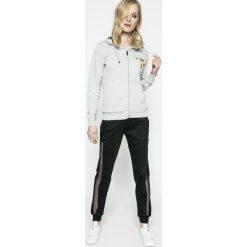 Trussardi Jeans - Bluza. Czarne bluzy sportowe damskie marki Cardio Bunny, s, z nadrukiem, z bawełny, bez kaptura. W wyprzedaży za 239,90 zł.