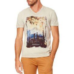 T-shirty męskie: T-shirt w kolorze beżowym