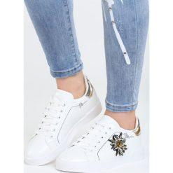 Biało-Złote Buty Sportowe Chambray. Żółte buty sportowe damskie marki NEWFEEL, z gumy. Za 79,99 zł.