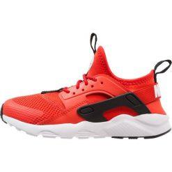 Nike Sportswear HUARACHE RUN ULTRA (PS) Tenisówki i Trampki habanero red/white/black. Czerwone tenisówki męskie Nike Sportswear, z materiału. Za 359,00 zł.