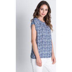 Bluzki asymetryczne: Luźna bluzka we wzory z krótkim rękawem BIALCON