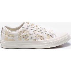 Converse - Buty. Szare buty sportowe damskie Converse, z materiału. W wyprzedaży za 269,90 zł.