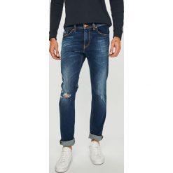 Diesel - Jeansy. Niebieskie jeansy męskie Diesel. Za 769,90 zł.
