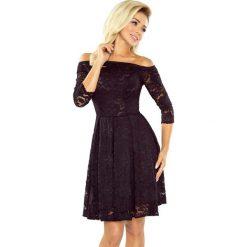 Czarna Sukienka Rozkloszowana Koronkowa z Szerokim Dekoltem. Czarne sukienki balowe marki Molly.pl, na imprezę, l, w koronkowe wzory, z koronki, dopasowane. Za 229,90 zł.
