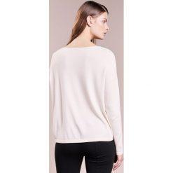 WEEKEND MaxMara REGALO  Sweter bianco avorio. Białe bralety WEEKEND MaxMara, s, z materiału. W wyprzedaży za 394,50 zł.