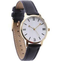 Czarno-Biały Zegarek Adventurous. Białe zegarki damskie Born2be. Za 29,99 zł.